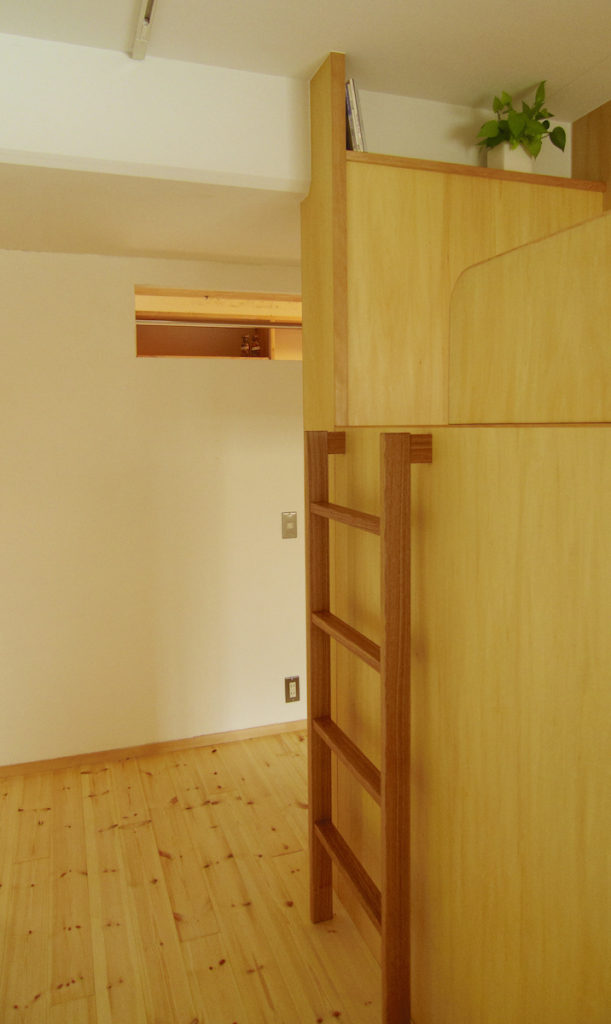 2段ベッドで仕切る子供部屋